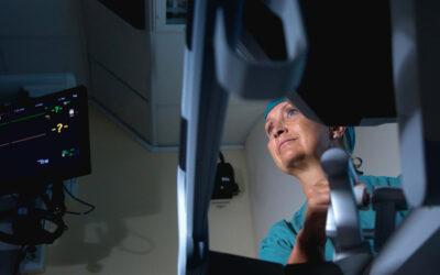 Robotkirurgen som brinner för att förbättra vården vid ovarialcancer