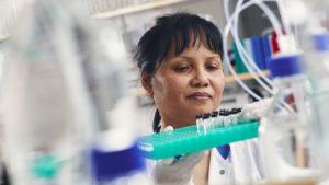 Nu behandlas de första cancerpatienterna utanför studier med CAR-T-celler